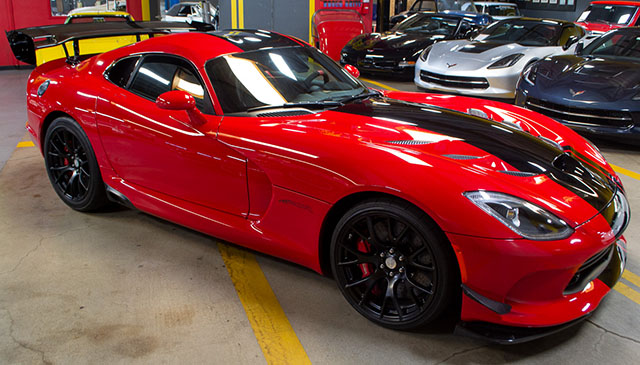 featured car of the week 2016 dodge viper acr with only 33 miles corvette mike used. Black Bedroom Furniture Sets. Home Design Ideas