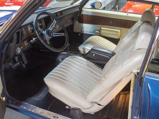 1970 Twilight Blue Oldsmobile 442 W30 Convertible int
