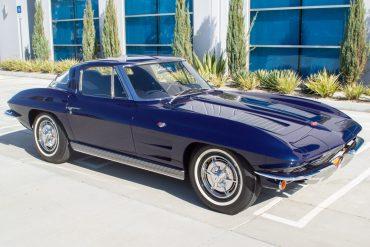 1963 blue corvette split window coupe 0940