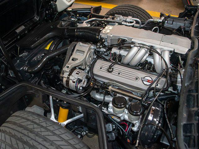 1988 white corvette 35th anniversary coupe engine