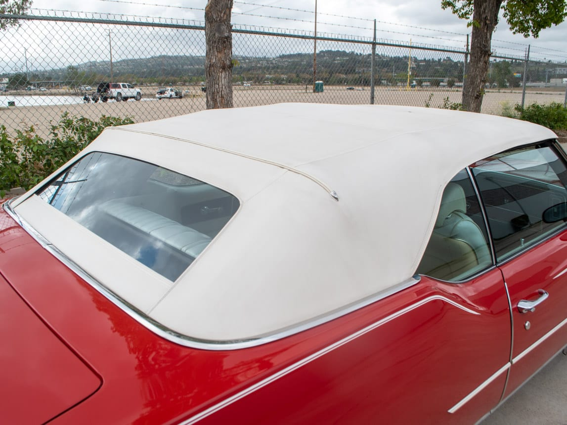 1971 Red Oldsmobile Cutlass Convertible 0982