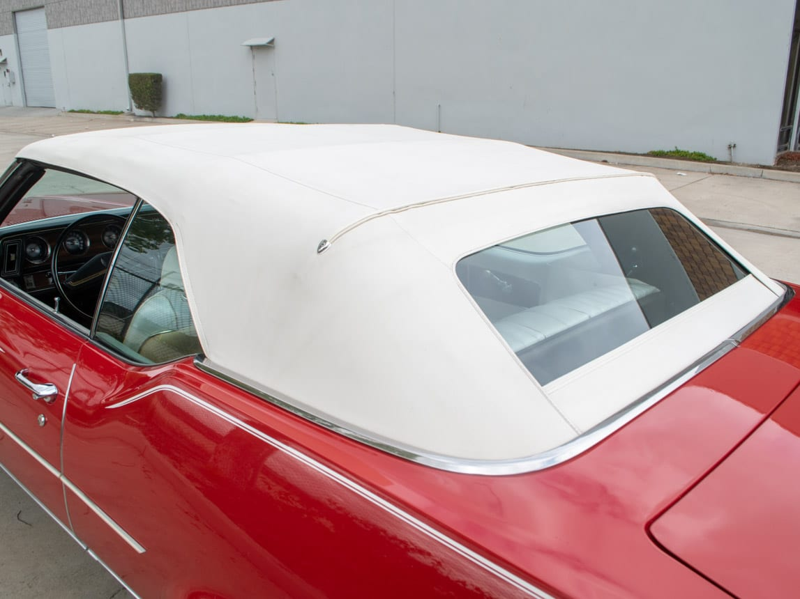1971 Red Oldsmobile Cutlass Convertible 0983