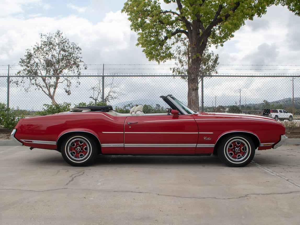 1971 Red Oldsmobile Cutlass Convertible 0987