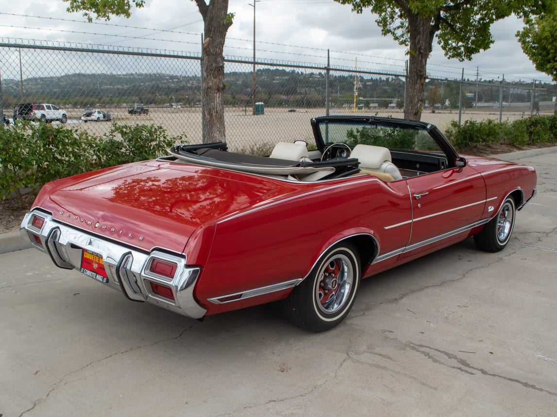 1971 Red Oldsmobile Cutlass Convertible 0988