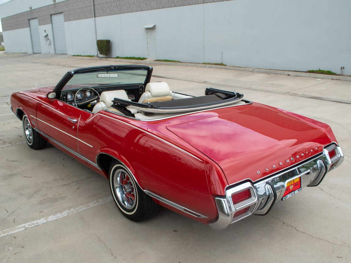 1971 Red Oldsmobile Cutlass Convertible 0990