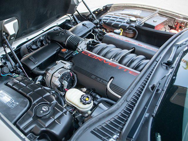 2002 pewter corvette coupe motor 1