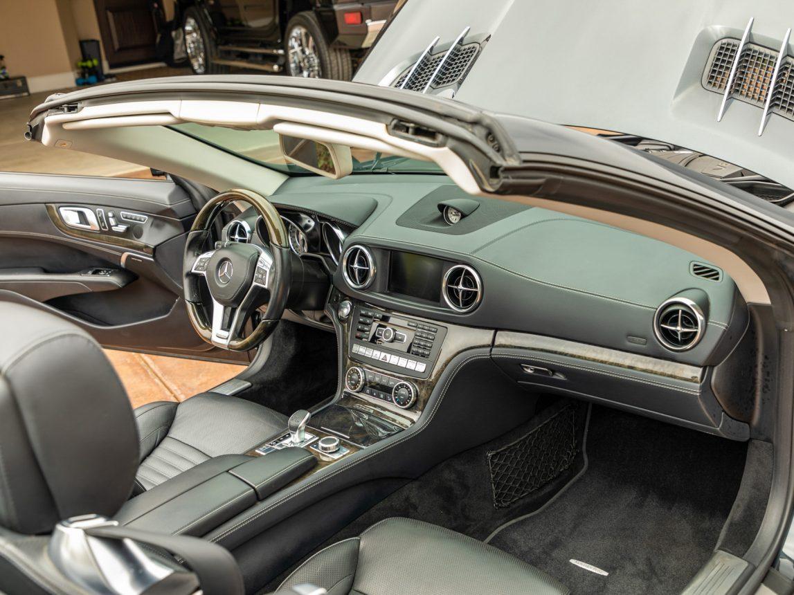 2013 Black Mercedes Benz SL 550 103 1
