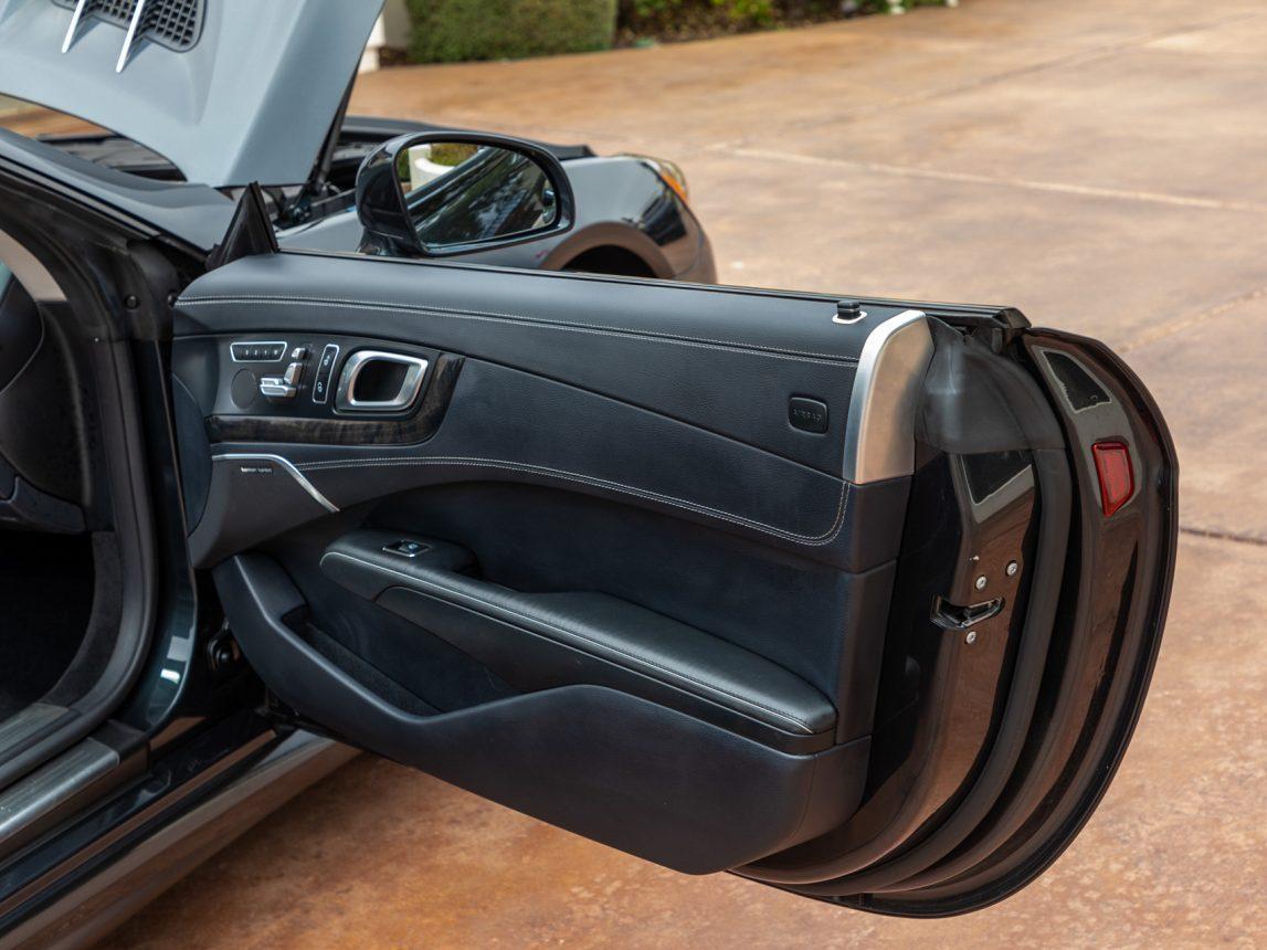 2013 Black Mercedes Benz SL 550 108 1