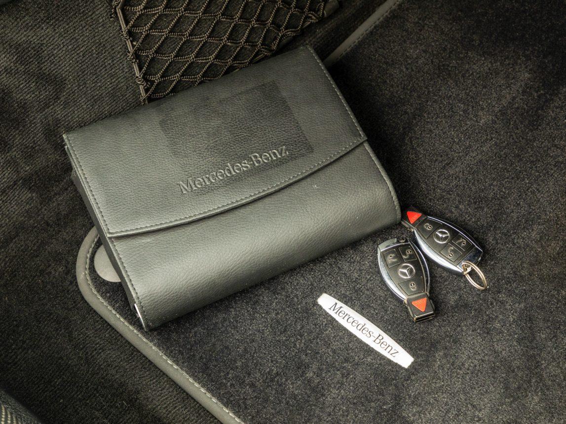 2013 Black Mercedes Benz SL 550 121