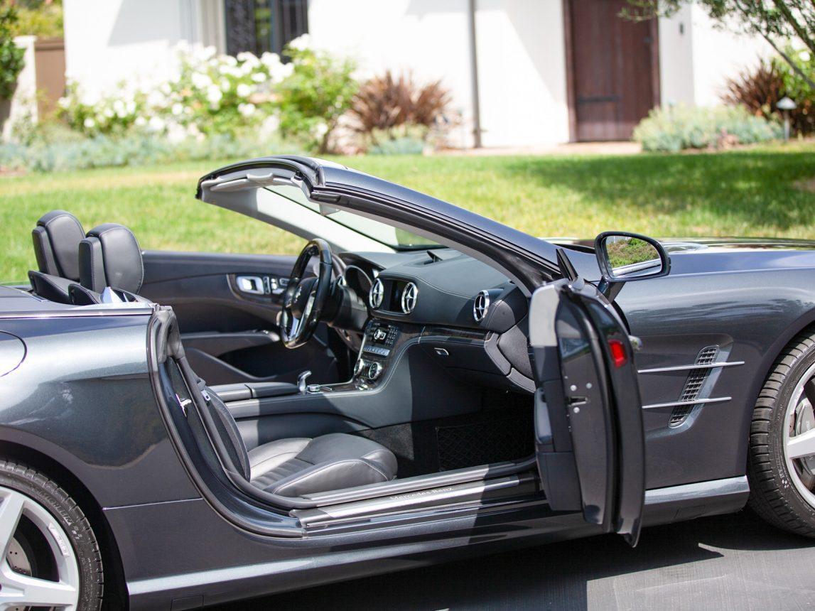 2013 Black Mercedes Benz SL 550 135