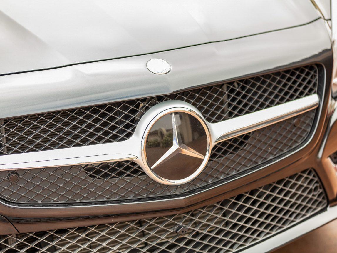 2013 Black Mercedes Benz SL 550 191