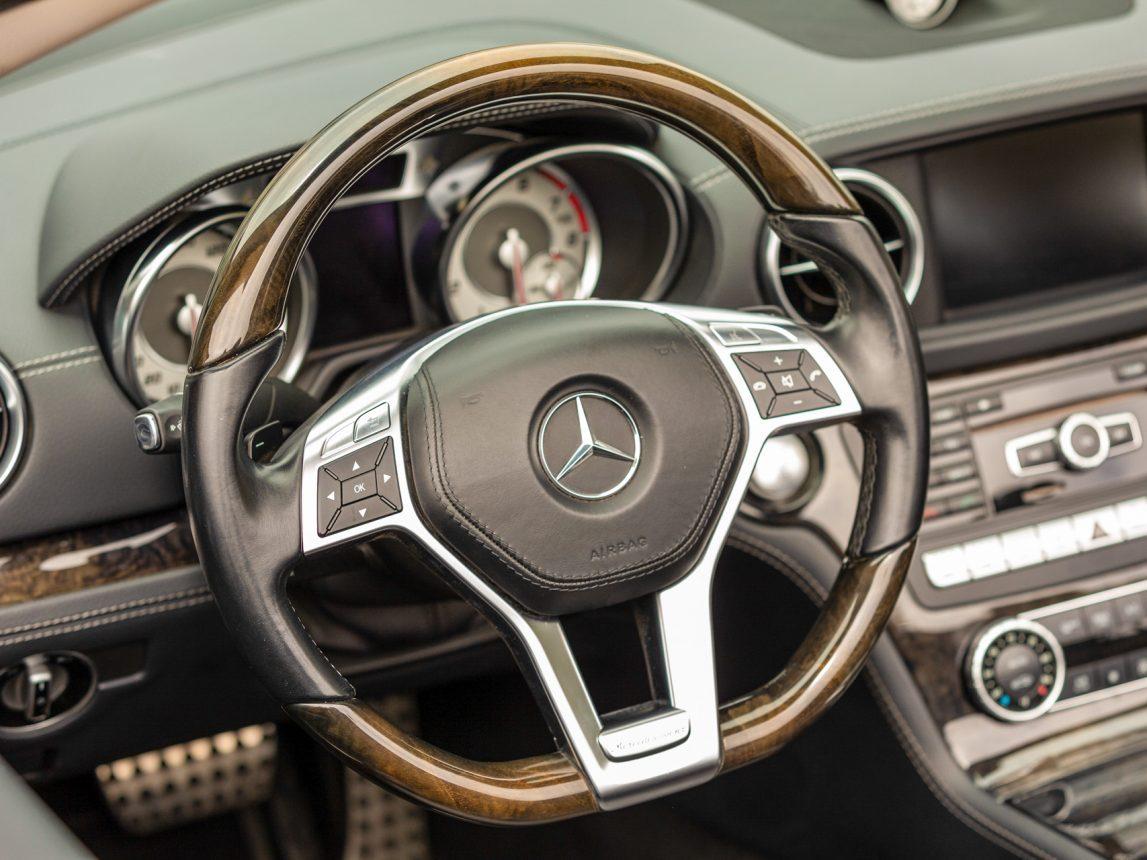 2013 Black Mercedes Benz SL 550 203