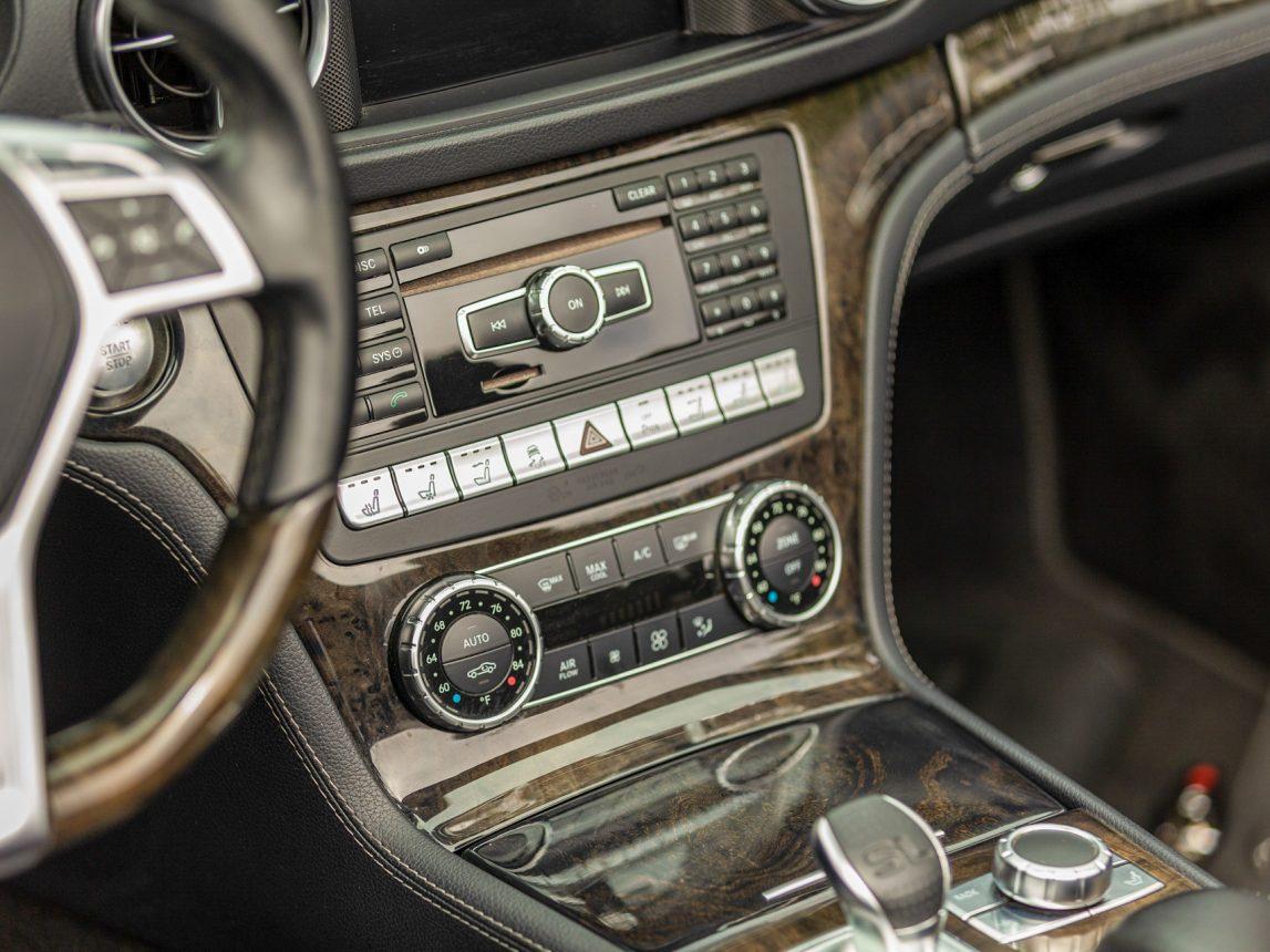 2013 Black Mercedes Benz SL 550 205