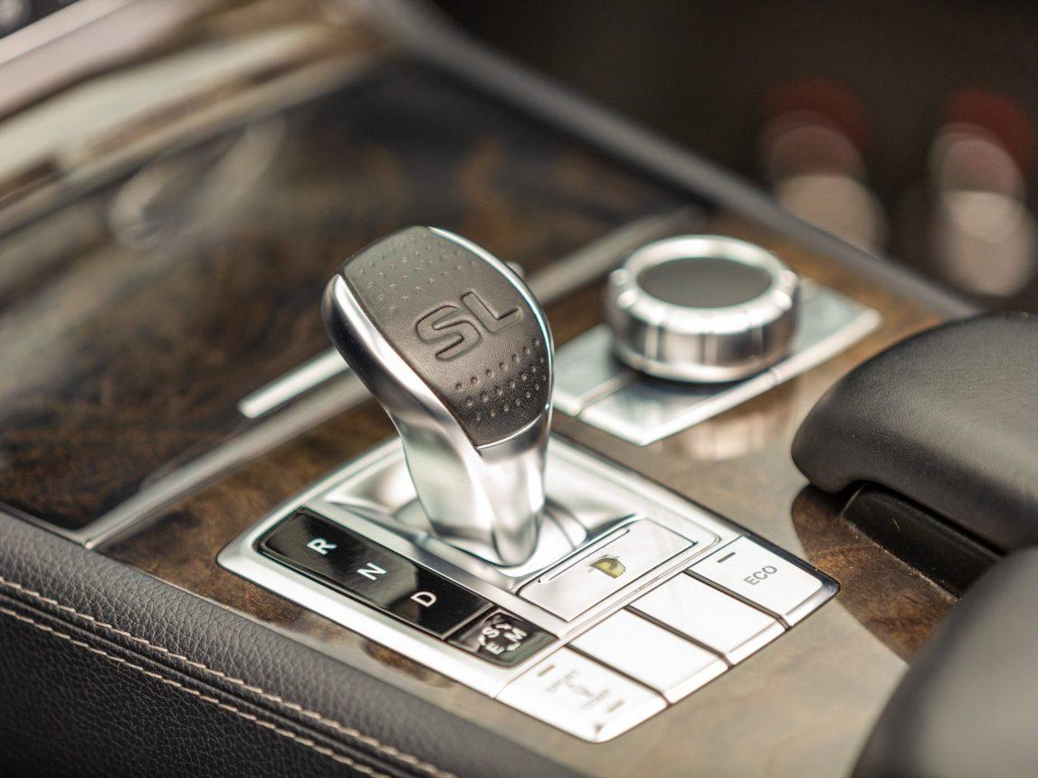 2013 Black Mercedes Benz SL 550 206